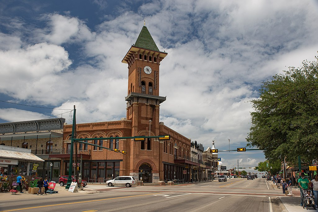 Downtown_Grapevine_Wiki_(1_of_1)